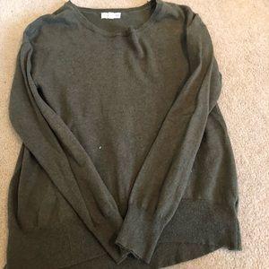 TUCKER AND TATE long sleeve sweater